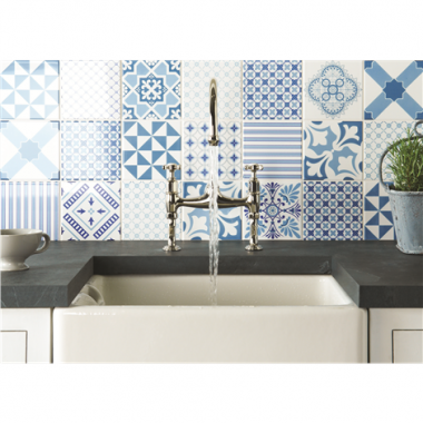 Riviera Blue Sky Blue, Midnight Blue on Brilliant White tile 8507A Odyssey Tapestry Original Style